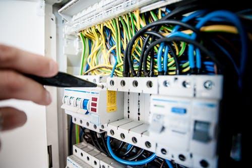 ソフトウェアのサーバ(server)