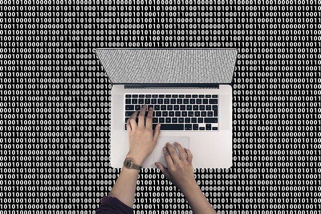 コンピュータは2進数を採用